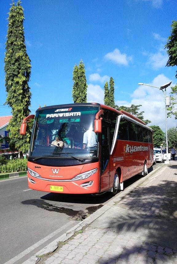 Bus Wisata Malang Jawa Timur
